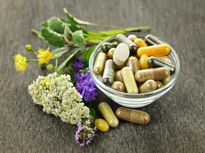 HOW TO MAKE A SAFE CHOICE WHEN CHOOSING SUPPLEMENTS